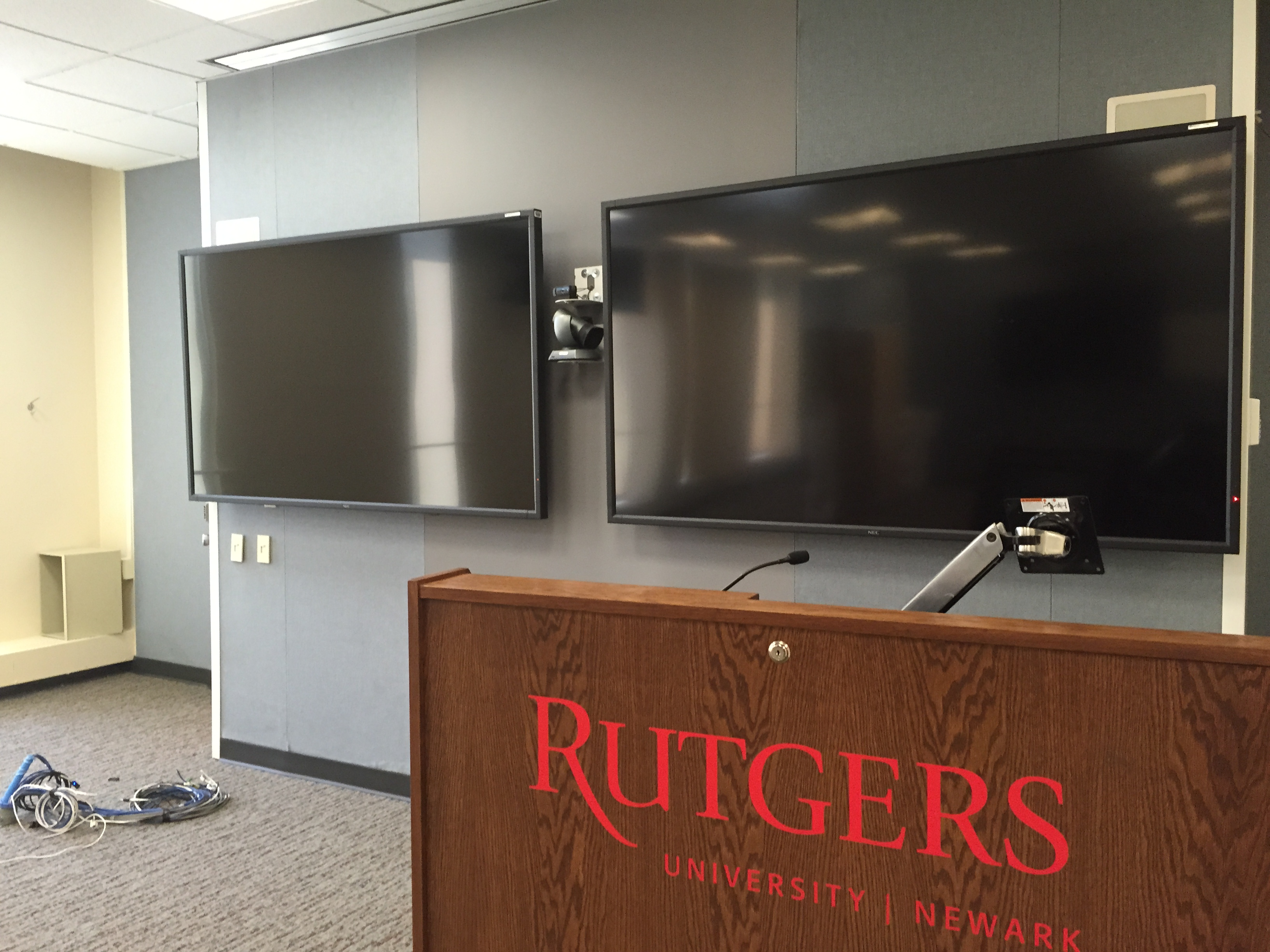 New HD projection screens